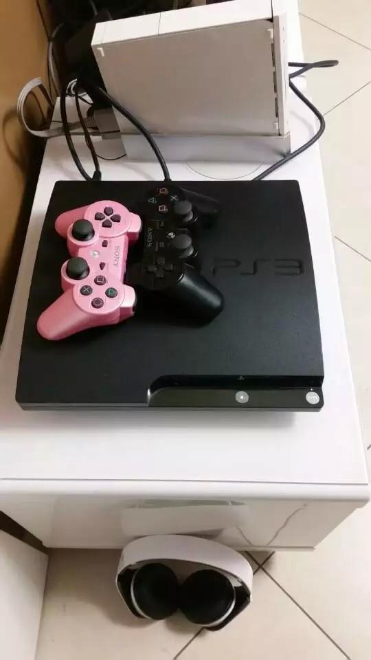 王同学的PS3游戏机好高级不会弄,不过...
