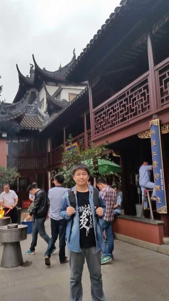 老爸说城隍庙就是外国友人博览会!果然好...