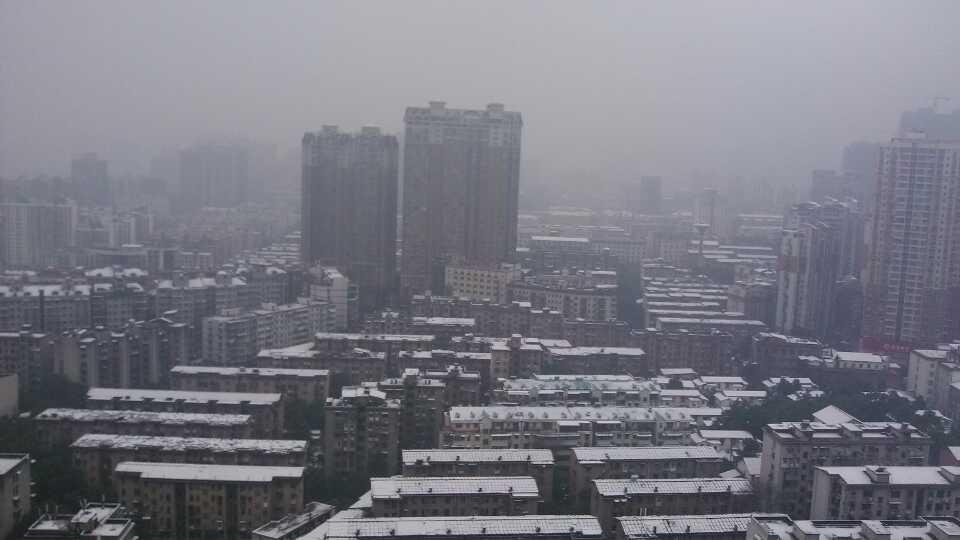 长沙2014的第一场雪!冷啊!!!