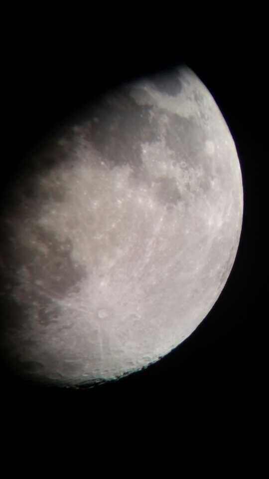 八月十四的月亮!拍摄条件有限,满头大汗...