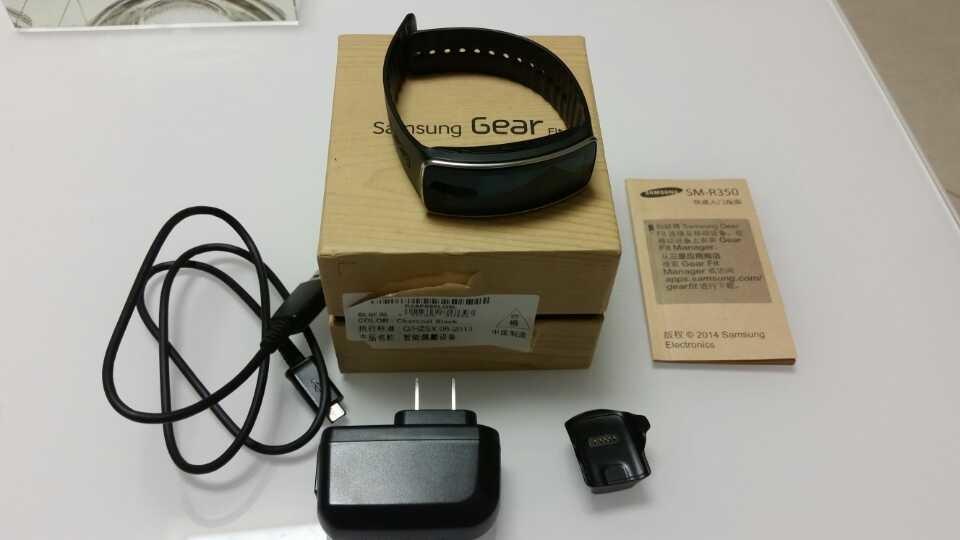 新宠到货!三星GearFit智能手表!...