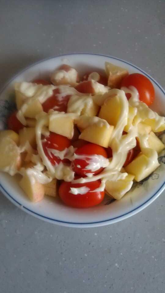 差点忘了,上周自己做的水果沙拉!第一次...