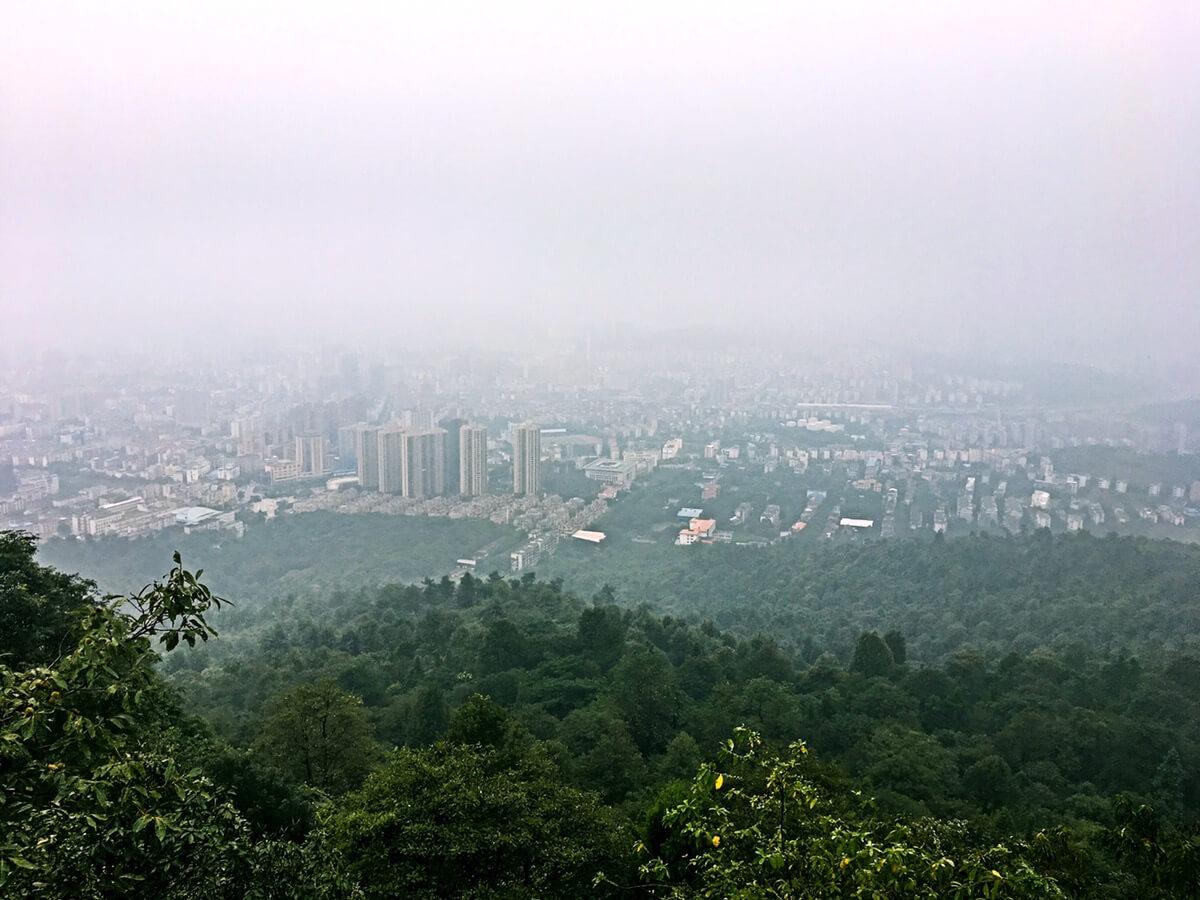 驱车来到郴州苏仙岭风景名胜区