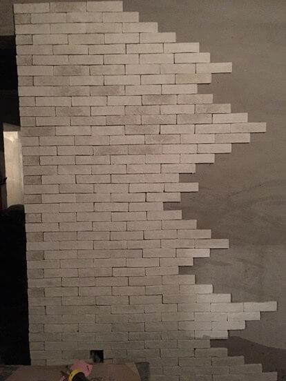 四个小时,帮冬冬重新贴砖。