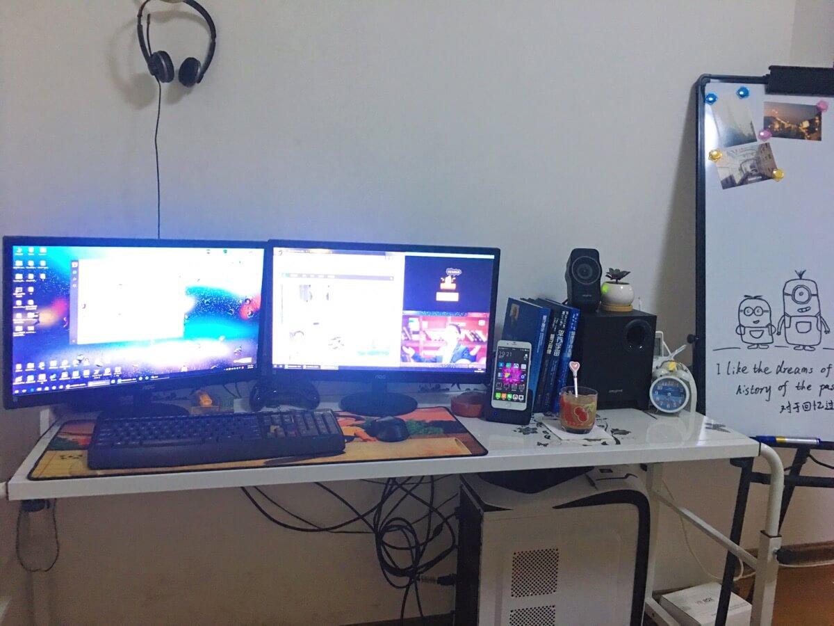床桌改造的工作台,希望可以酝酿出好的成果……