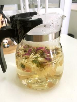 自制花茶,菊花玫瑰。