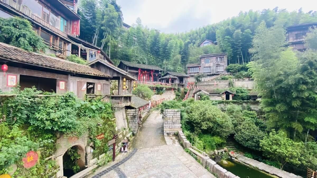 梅岭国家森林公园-明净古村